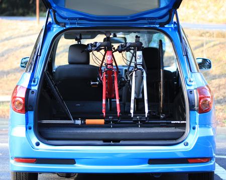 自転車の 自転車 車載 方法 車内 : 自転車を固定した状態で車載 ...