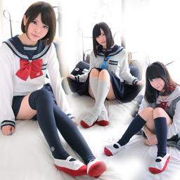「セラコレ」と「上履きルームソックス」、「スクールバッグクッション」の3点セット発売。