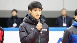 オリンピック代表決定後、挨拶する渡邊啓太選手
