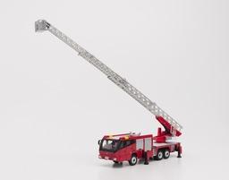 はしごの伸縮、アウトリガー張り出しも可能!