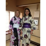 Tea ceremony&wearing a kimono experience for foreign tourists