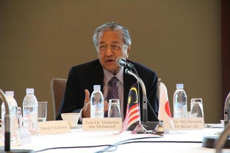 元マレーシア首相・本学名誉博士/顧問 マハティール・ビン・モハマド氏との意見交換会を実施