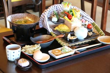 どじょうすくいのふる里で「安来ドジョウ寿司」が誕生