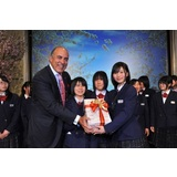 Muhtar Kent and Shoei Students on March 29